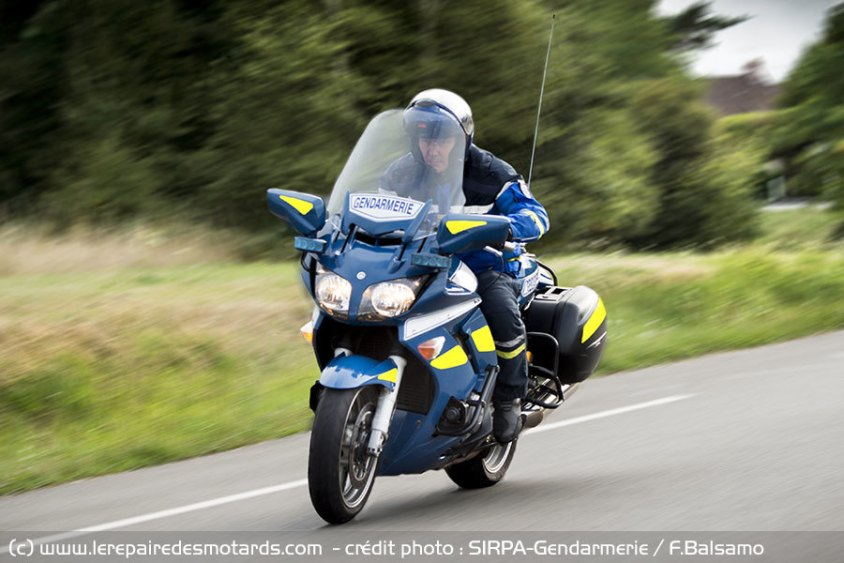course-motard-gendarmerie_hd