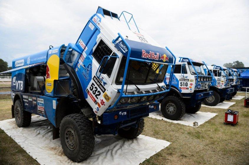 team-kamaz-master-vladimir-chagin-dakar-rallye-2014.jpg